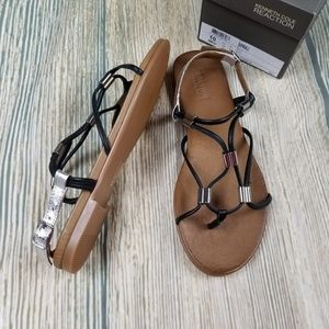 New KENNETH COLE REACTION leather thong sandal